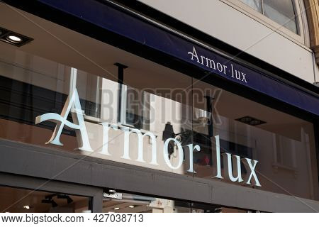 Toulouse , Occitanie France  - 06 25 2021 : Armor Lux Sign Logo And Text Brand On Shop Boutique Fash
