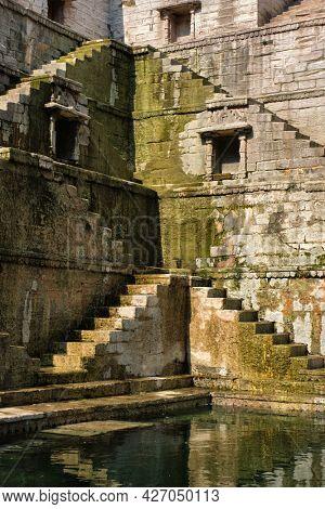 Toorji Ka Jhalra Bavdi world famous step well stepwell. Jodhpur, Rajasthan, India