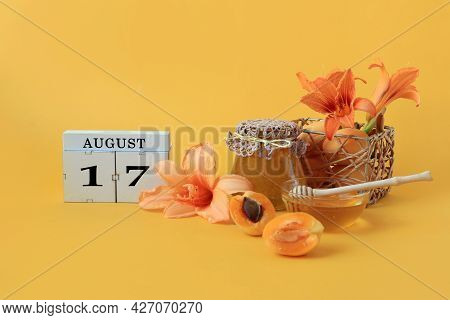 Calendar For August 17 : The Name Of The Month Of August In English, Cubes With The Number 17, Honey