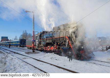 Sortavala, Russia - March 10, 2021: Soviet Steam Locomotive Lv-0522 At The Tourist Retro Train