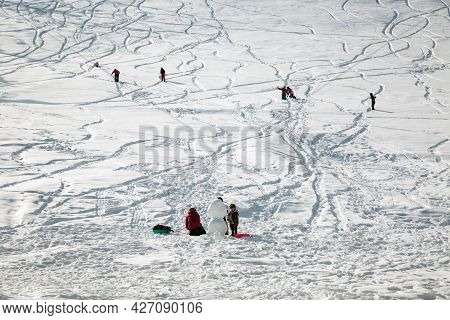 Yuzawa Japan 10 Jan 2016, Many Tourirt Male Snowman Playing Ski Snowboard On White Snow Mountain