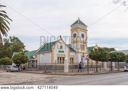 Willowmore, South Africa - April 21, 2021: A Street Scene, With The Historic Town Hall, In Willowmor