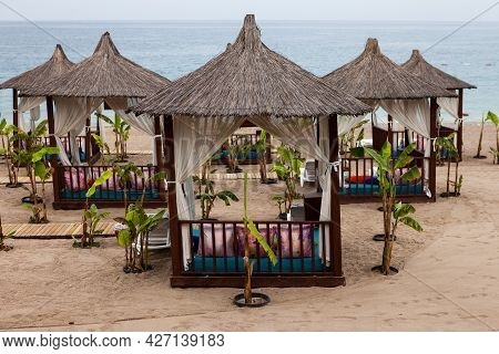 Boars, Bungalows On The Beach. Ip Zones On The Beach For Rest And Relaxation On The Sandy Beach. Coz