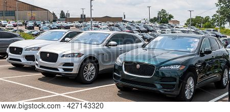 Monroeville, Pennsylvania, Usa July 18, 2021 Jaguar Suvs Parked Together In A Parking Lot At A Deale