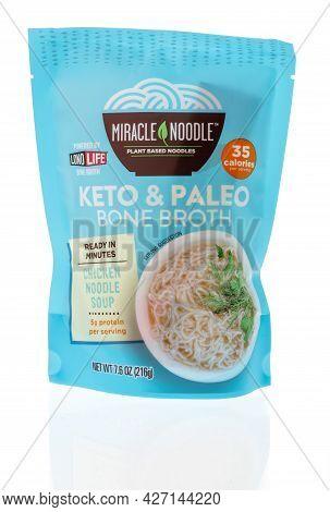 Winneconne, Wi -18 July 2021:  A Package Of Miracle Noodle Keto Paleo Lono Lige Bone Broth Chicken N