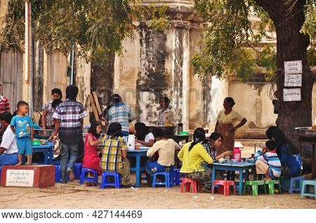 Local Street Food And Restaurant Shop For Burmese People And Foreign Travelers Eat Drink Use Service