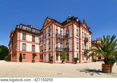 Baroque Palace Called 'schloss Biebrich', A Ducal Residence Built In 1702 In Wiesbaden In Germany