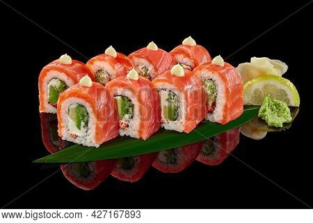 Philadelphia Rolls With Salmon, Cream Cheese, Tobiko, Avocado And Cucumber