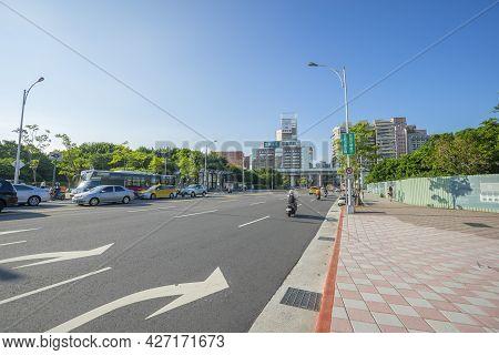 Taipei, Taiwan - Aug 8, 2018 : Street View Of Tacheng Street In The Downtown Area Near Taipei Main S