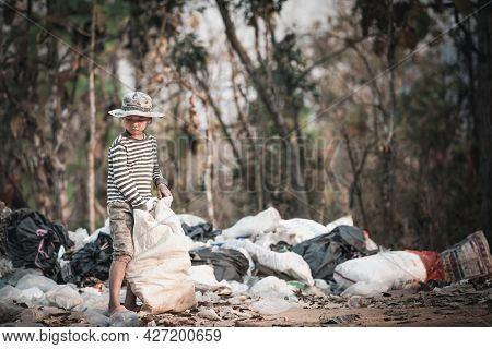 Poor Children Collect Garbage For Sale Because Of Poverty, Junk Recycle, Child Labor, Poverty Concep