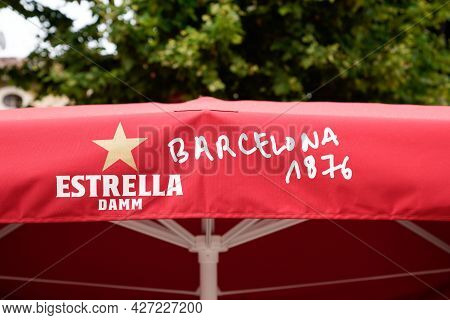 Bordeaux , Aquitaine France  - 07 04 2021 : Estrella Galicia Logo And Text Sign Of Brand Of Spain Pa