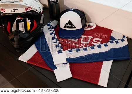 Toulouse , Occitanie France  - 06 25 2021 : Deus Cap With Logo Brand Fashion Shop And Text Sign With