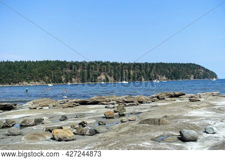 A View Of The Large Beautiful Tribune Bay, Full Of Boats Anchored, A Great Boating Anchorage Of Off