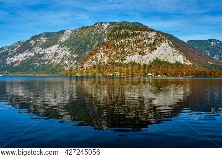 Hallstatter See lake mountain lake in Austria. Salzkammergut region, Austria