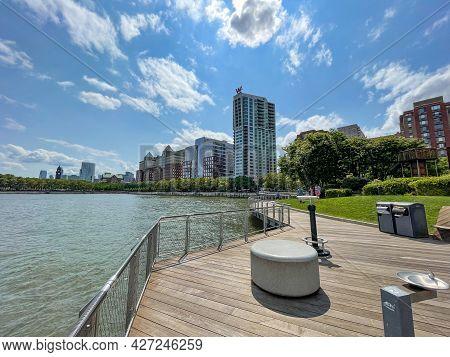 Hoboken, Nj - Usa - July 18, 2021: Wide Horizontal View Of The W Hoboken Hotel On The Sinatra Promen