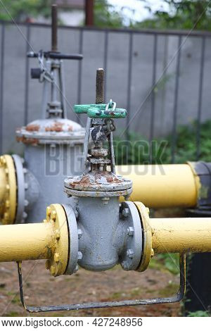 Yellow Steel Pipes And Valve At Gas Distribution Station, Gas Piping, Gas Pipeline, 2021