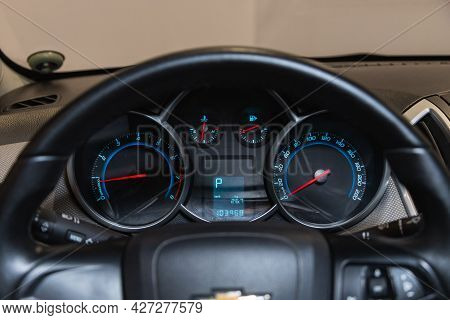 Novosibirsk, Russia - July 07, 2021:   Chevrolet Cruze, Round Speedometer, Odometer With A Range Of