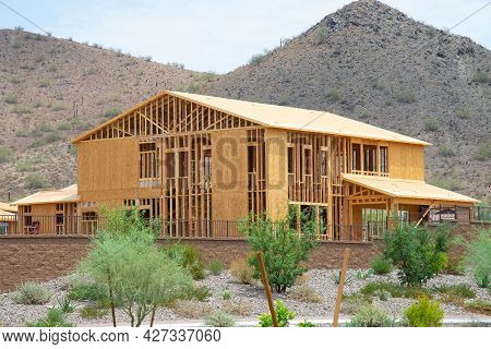 Construction Of A Plywood House In Arizona