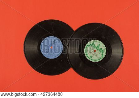 Two Old Vinyl Records Of Soviet Music On Red. Gramophone Records 1956, Ussr. Songs By Maya Kristalin