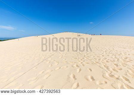 The Dune Of Pilat, The Tallest Sand Dune In Europe. La Teste-de-buch, Arcachon Bay, Aquitaine, Franc
