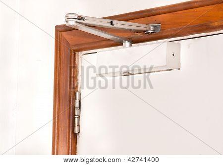 Automatic Closing A Door
