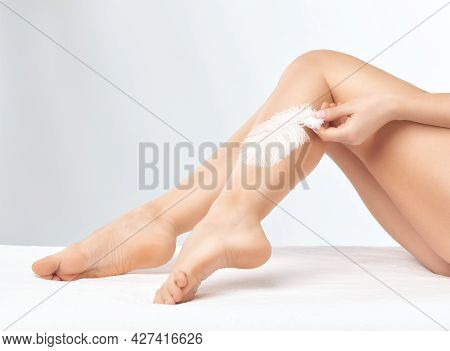 Elos Epilation Hair Removal Procedure. Laser Rejuvenation In A Beauty Salon. Removing Unwanted Body