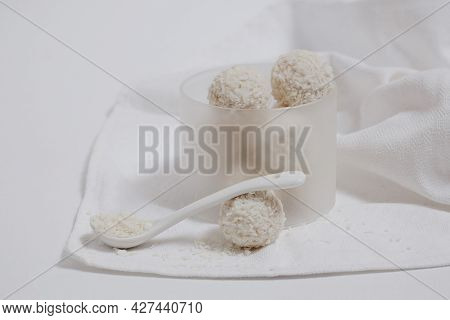 Round White Sweets In Coconut Flakes, Homemade Desserts, Rafaello Sweets,