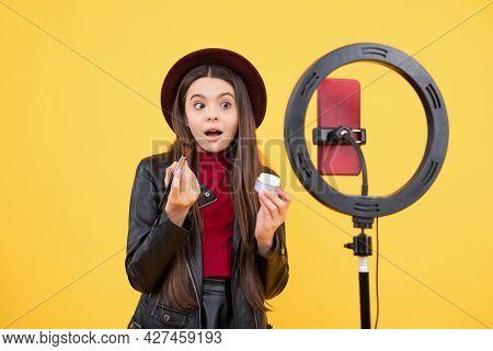 Blogging Ring Lamp. Weblog And Vlog. Makeup Tutorial. Influencer. Amazed Teen Girl Use Selfie Led.