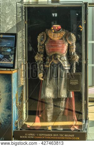 Belfast, Uk, Aug 2019 , Jaime Lannister Armour From Season 6 On Display In Front Of Titanic Store In