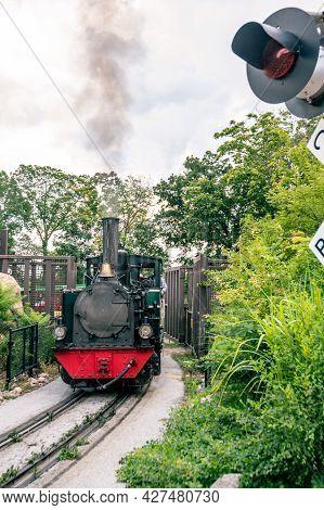 Omaha, Nebraska, Usa: 6-2021: Steam Locomotive Used For Touring The Henry Doorly Zoo And Aquarium
