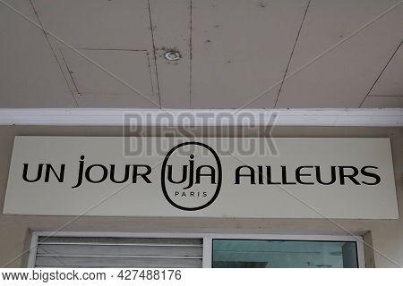 Toulouse , Occitanie France  - 06 25 2021 : Un Jour Ailleurs Uja Shop Retail Logo Brand Girls Women