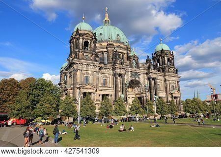 Berlin, Germany - August 27, 2014: People Visit The Cathedral (berliner Dom) In Berlin. Berlin Is Ge