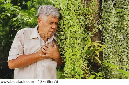 Old Man Is Sick With Cystic Fibrosis. I Have Severe Chest Pain And Shortness Of Breath. I'm Walking