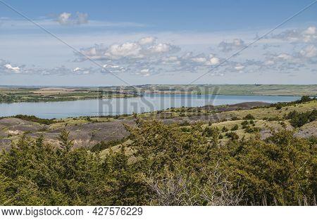 Chamberlain, Sd, Usa - June 2, 2008: Missouri River North Of Town. Landscape Offers Wide Blue Bend U
