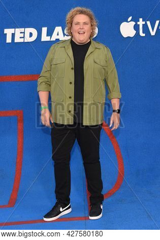 LOS ANGELES - JUL 15: Fortune Feimster arrives for the Ted Lasso Season 2 Premiere on July 15, 2021 in West Hollywood, CA