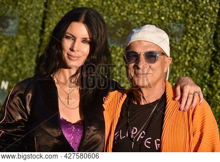 LOS ANGELES - JUL 21: Liberty Ross and Jimmy Iovine arrives for The DiscOasis VIP Night on July 21, 2021 in Palos Verdes Estates, CA
