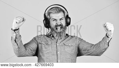 Dj Hipster. Excellent Music Playlist. Singer On Rehearsal. Hipster Enjoy Excellent Sound Song In Ear