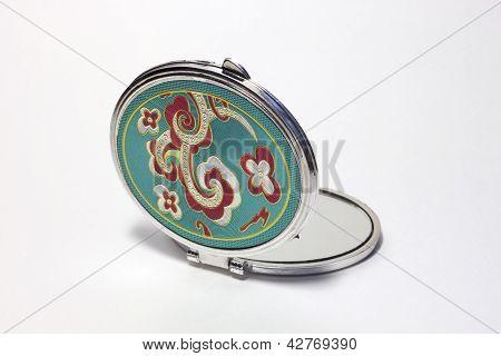 Small pocket mirror