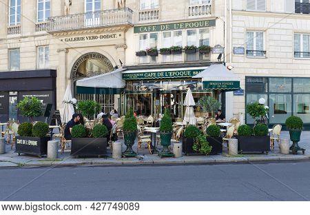 Paris , France : July 18 , 2021 : View Of Vintage Paris Cafe De Belle Epoque Located In Quarter Of C