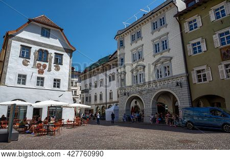 Bolzano,italy,june 2021.the Picturesque Houses Of The Historic Center Overlook The Piazza Del Duomo.