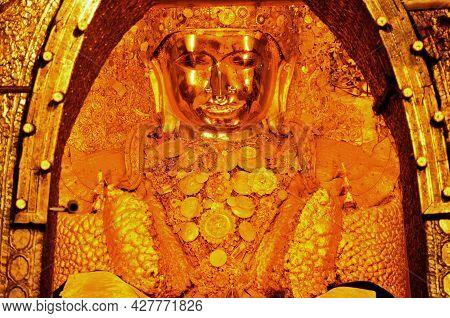Maha Myat Muni Paya Or Rakhine Buddha Or Payagyi Enshrined For Burmese Pilgrimage People And Foreign