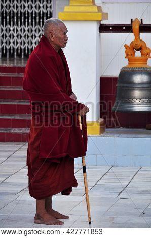 Burmese Seniors Monk Stand Ritual Meditation Respect Praying Maha Myat Muni Paya Or Rakhine Buddha O