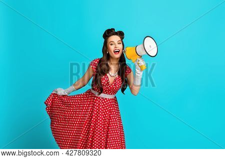 Big Sale, Promo, Discount, Breaking News. Young Pinup Woman In Retro Dress Shouting Into Megaphone O