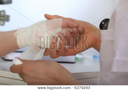 Bandage For The Hand