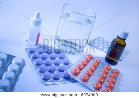 Medicines For Flu Treatment.