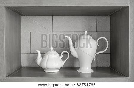 twin size of tea pot