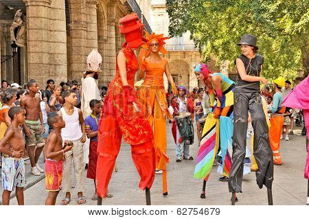 Performers dancing with wooden legs in Havana