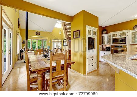 Farm House Interior. Dining Area In Kitchen Room