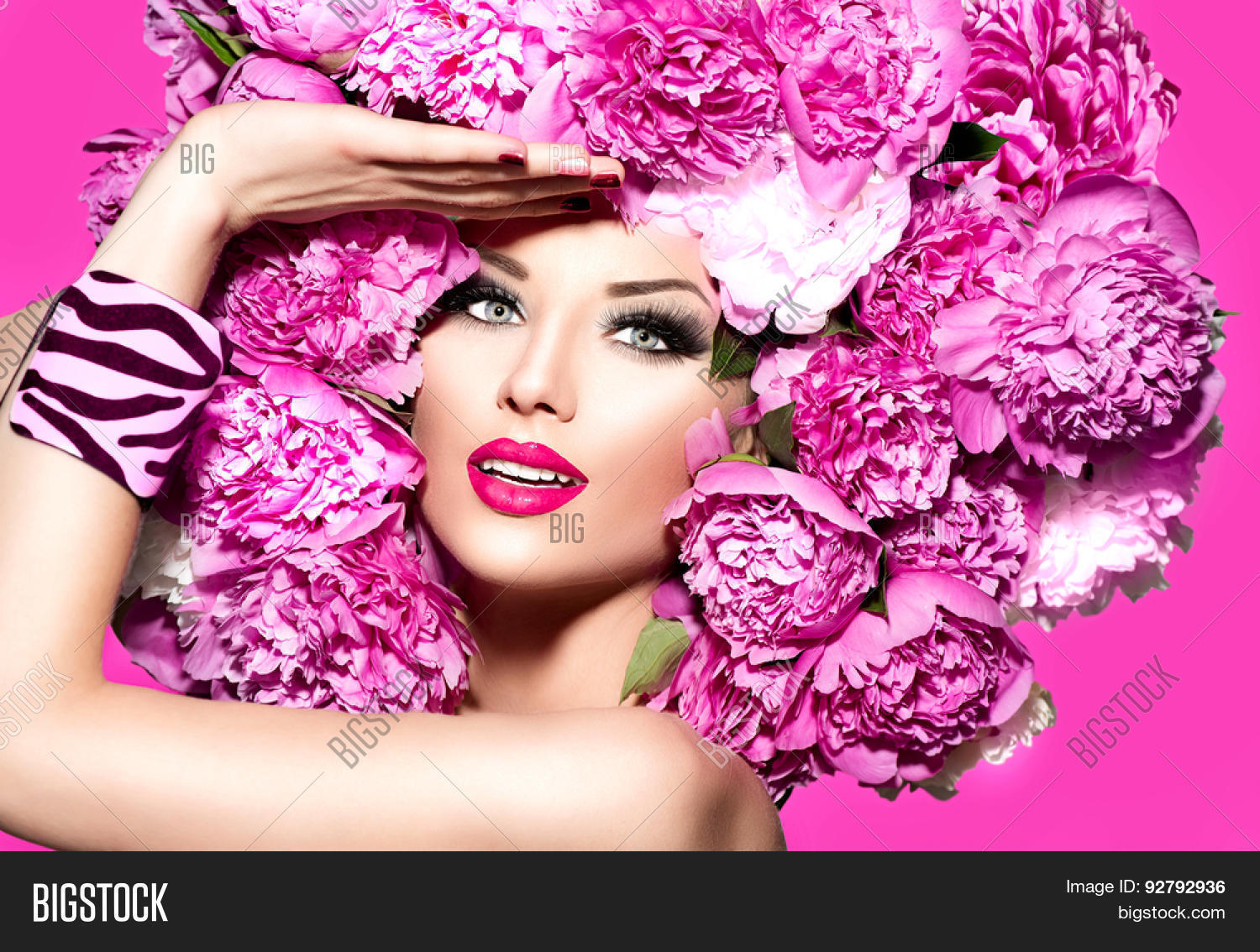 Make-up, hairstyles, manicure: a selection of sites