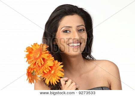 Indian girl with daisy flowers